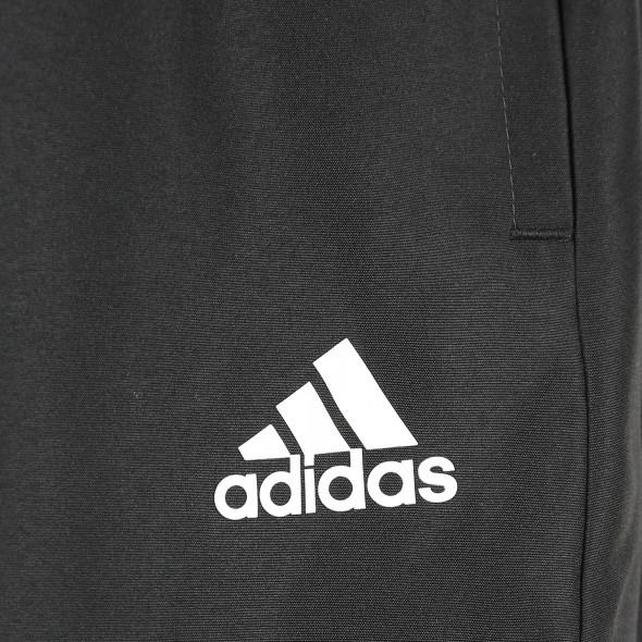 Herren Sporthose in klassischer Form