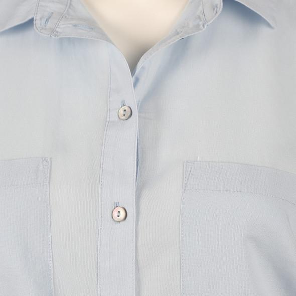 Damen Bluse in klassischer Form