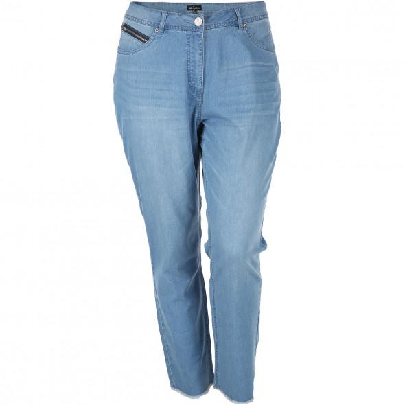 Große Größen Jeans in leichtem Material