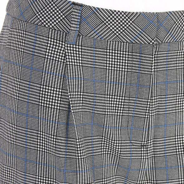 Damen Hose im klassischen Look