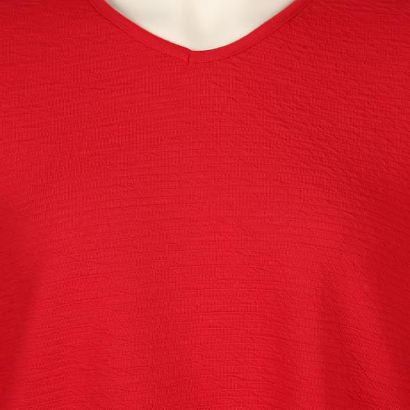 Große Größen Struktur Shirt mit V-Ausschnitt