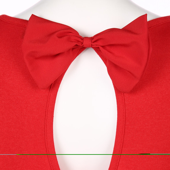 Damen Pullover mit besonderem Rückenausschitt