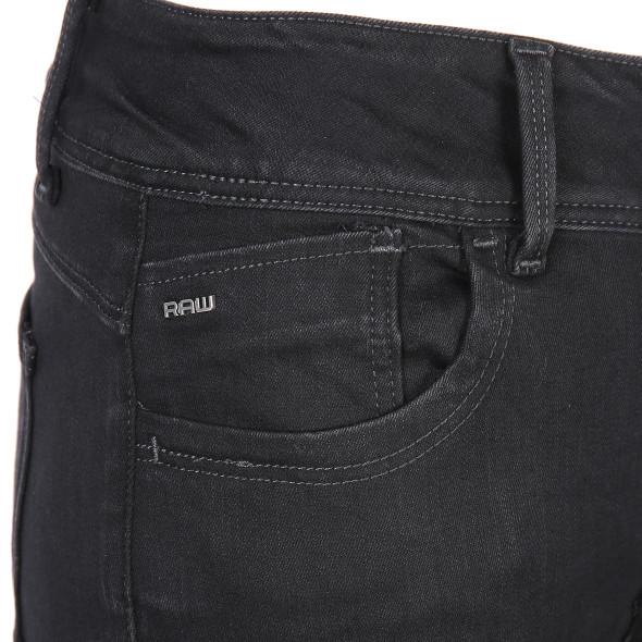 Damen Jeans in einheitlicher dunkler Waschung