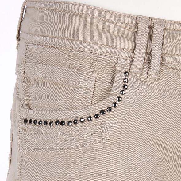 Damen Jeans mit Nietenbesatz und Crash Optik