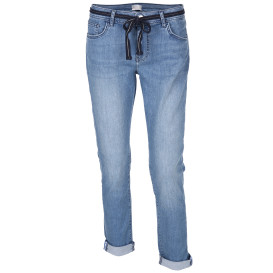 Damen Jeans in 5-Pocket-Form mit Gürtel