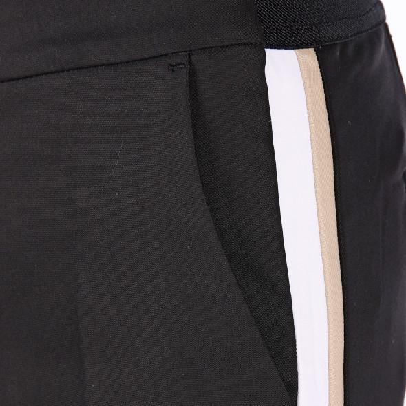 Damen Hose mit seitlichem Galonstreifen