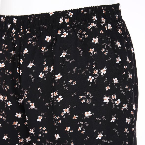 Damen Hotpants im Blümchenprint